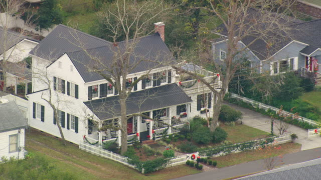 ws aerial view of big house / georgia, united states - picket fence stock videos and b-roll footage