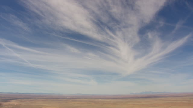 ws aerial view of big sky with humphrey's peak / arizona, united states - horizont über land stock-videos und b-roll-filmmaterial