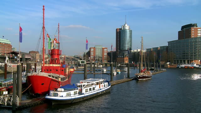 stockvideo's en b-roll-footage met ws view of binnenhafen city near river / hamburg, germany  - passagiersboot