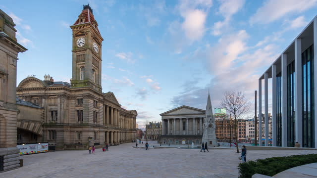 view of birmingham old town square in birmingham city centre in the daytime - 4k time-lapse - west midlands stock videos & royalty-free footage