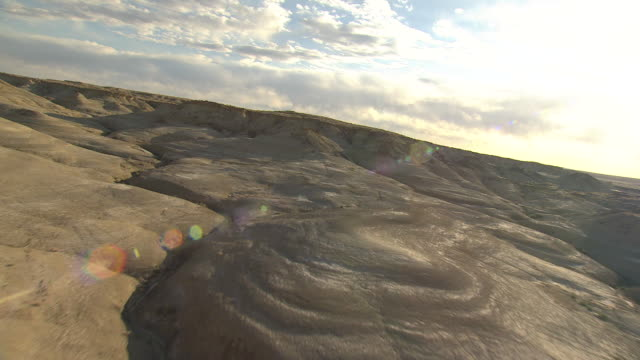 ws aerial view of bisti badlands in san juan county / new mexico, united states - bisti badlands stock videos & royalty-free footage