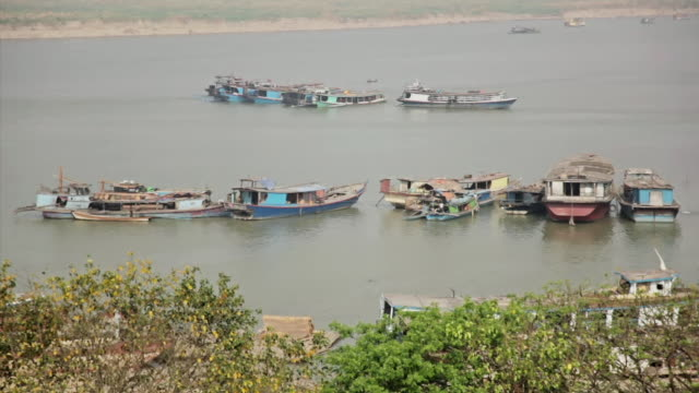 ws view of boat houses on river  / mandalay, mandalay division, myanmar - mandalay stock videos and b-roll footage