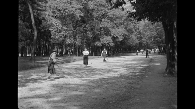 stockvideo's en b-roll-footage met ws pan view of bois du boulogne / paris, france - 1936