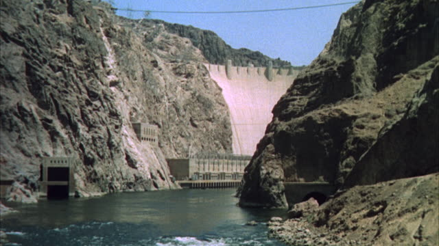 ws view of boulder dn and surrounding canyons - hoover dam stock videos and b-roll footage