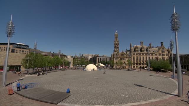 vídeos y material grabado en eventos de stock de view of bradford city centre - plaza