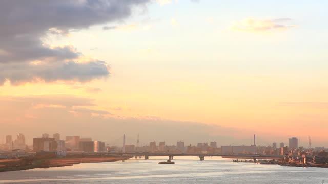 ws view of bridge in industrial zone / kawasaki /kangawa / japan - 神奈川県点の映像素材/bロール