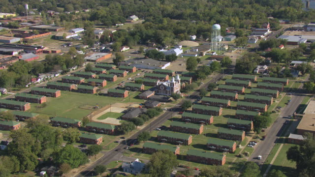 ws aerial zi view of brown chapel ame church / selma, alabama, united states - chapel stock videos & royalty-free footage