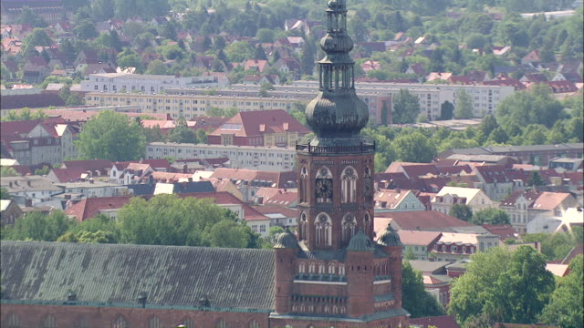 ws zi ts aerial view of building church in city / ruegengreifswaldlubmin, mecklenburg-vorpommern, germany - rügen stock videos & royalty-free footage