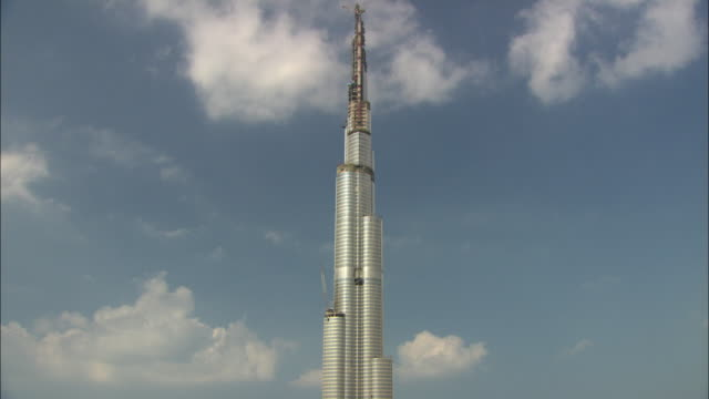 MS TD View of Burj Khalifa during construction / Dubai, United Arab Emirates