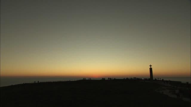 view of cabo da roca, portugal at dusk - roca video stock e b–roll