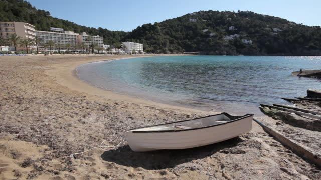 ws pan view of cala de sant vicent / ibiza, balearic islands, spain  - イビサ島点の映像素材/bロール