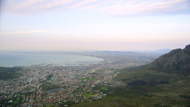 WS PAN View of cape town seen from cable car with table mountain / Cape Town, Western Cape, South Africa
