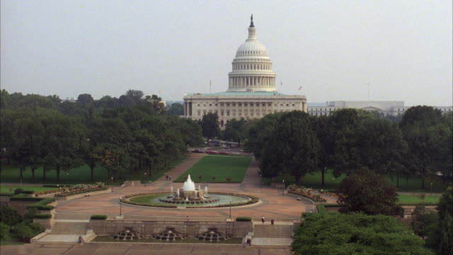 WS View of capitol building / Washington DC, United States