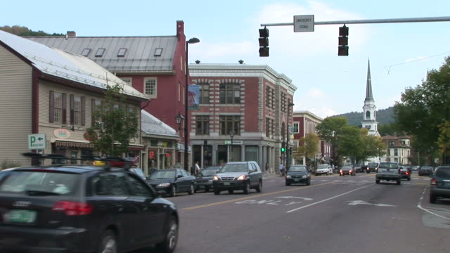 view of car passing in montpelier vermont united states - 通過する点の映像素材/bロール