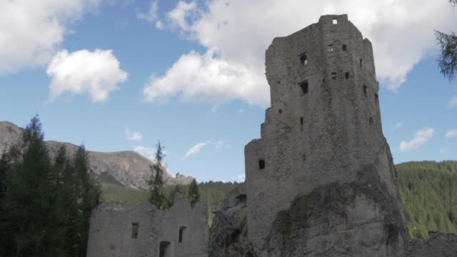 stockvideo's en b-roll-footage met view of castello di andraz, province of belluno, italian dolomites, italy, europe - rond de 11e eeuw