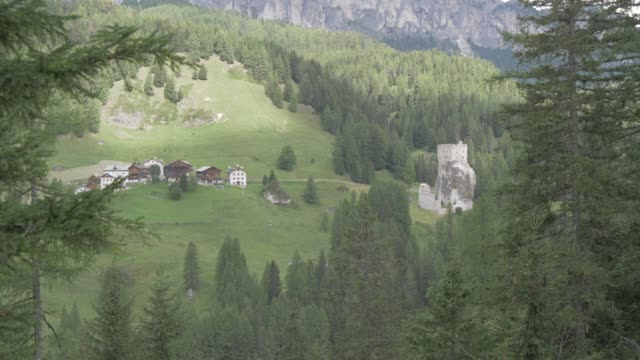 stockvideo's en b-roll-footage met view of castello di andraz, province of bolzano, dolomites, italy, europe - rond de 11e eeuw