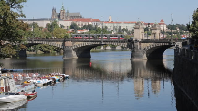 View of Castle District & Vltava with St. Vitus Cathedral and Royal Palace, Prague, Czech Republic, Europe