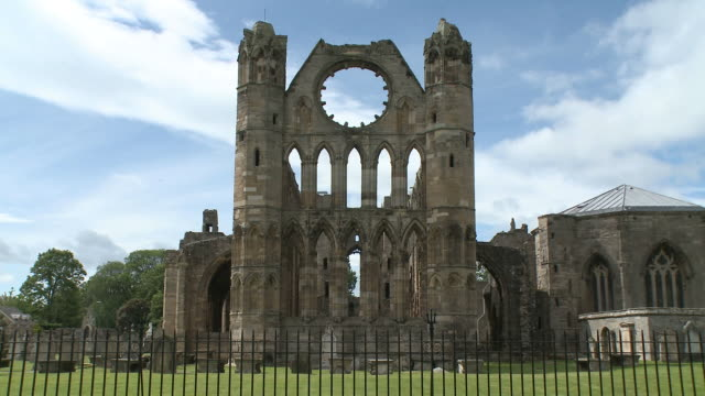 vídeos y material grabado en eventos de stock de ws view of cathedral / elgin, moray, scotland - en ruinas