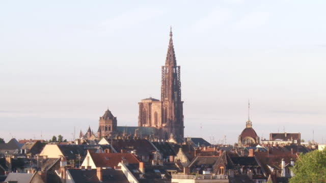 MS View of cathedral notre dame / Strasbourg, Alsace, France