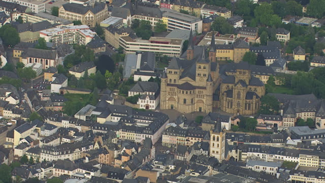 ws aerial zi view of cathedral of trier / trier, rhineland palatinate - rhineland palatinate stock videos & royalty-free footage