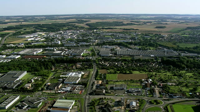 WS AERIAL PAN ZI View of Cathedral Saint Pierre de at Beauvais / Picardy, France
