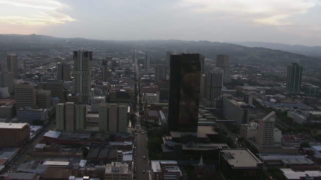 ws aerial view of central business district / pretoria, gauteng, south africa - pretoria stock videos & royalty-free footage