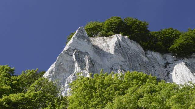 WS View of Chalk cliffs at Stubbenkammer at Jasmund National park, UNESCO World Heritage Site / Sassnitz, Rugen / Mecklenburg-Western Pomerania, Germany