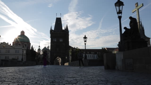 view of charles bridge, prague, czech republic, europe - stare mesto stock videos and b-roll footage