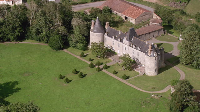 WS AERIAL View of chateau and landscape / Pais de la Loire, France