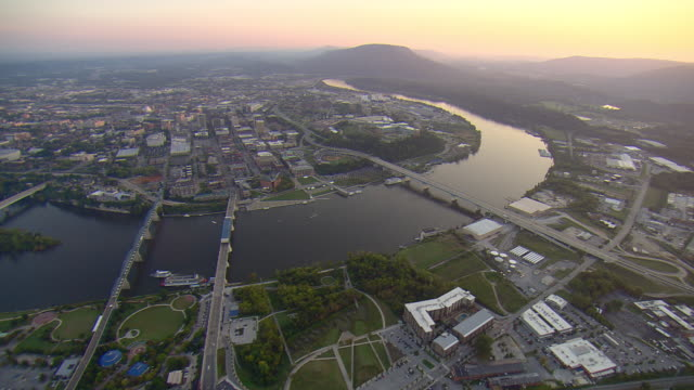 ws aerial view of chattanooga and tennessee river with lookout mountain / chattanooga, tennessee, united states  - chattanooga stock videos and b-roll footage