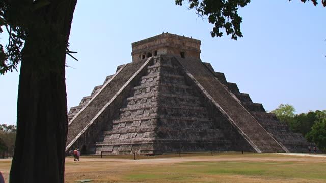 ws tu view of chichen itza / chichen itza, mexico - chichen itza stock videos and b-roll footage