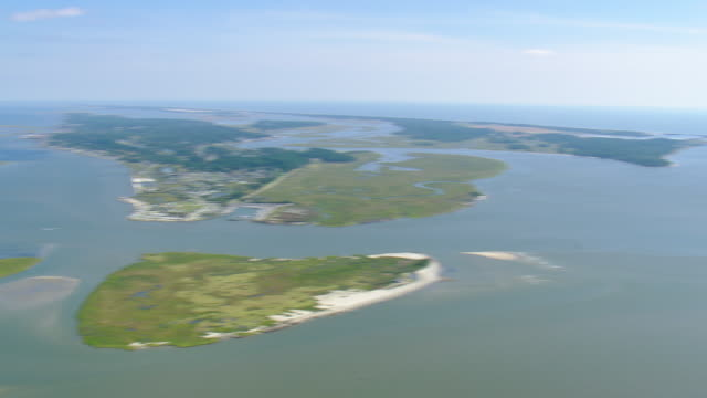 ws aerial zi zo view of chincoteague national wildlife refuge / maryland, united states - 自然保護区点の映像素材/bロール