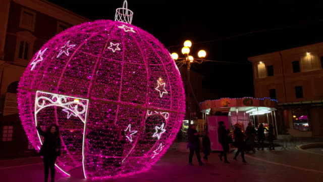 a view of christmas lights in l'aquila italy on december 12 2018 a view of christmas lights in l'aquila italy on december 13 2018 - luce natalizia video stock e b–roll