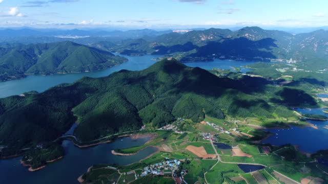 view of chungjuho lake (cheongpungho lake) - naturwunder stock-videos und b-roll-filmmaterial