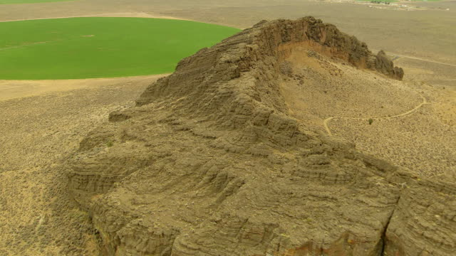 WS AERIAL DS View of circle walls of Fort Rock volcanic rock formation / Oregon, United States