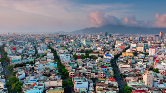 ws t/l zi view of city and clouds over monkey mountain / da nang, vietnam - ダナン点の映像素材/bロール