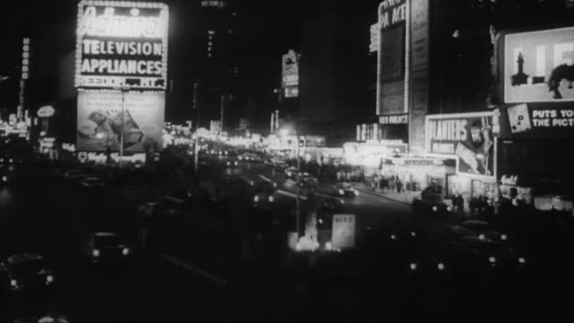 vídeos de stock e filmes b-roll de ws view of city at night / united states - 1930