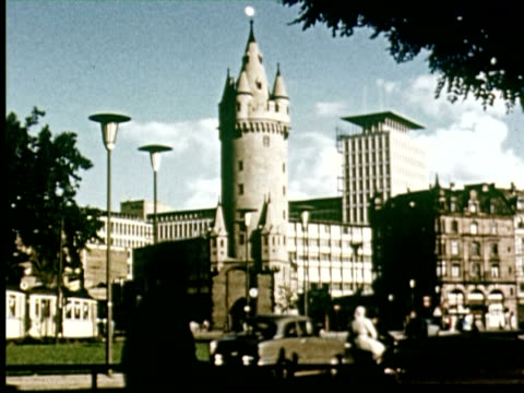 vidéos et rushes de ms view of city  audio / germany - 1956