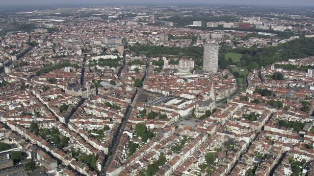 vidéos et rushes de ws aerial zi view of city / brussels, belgium - belgique