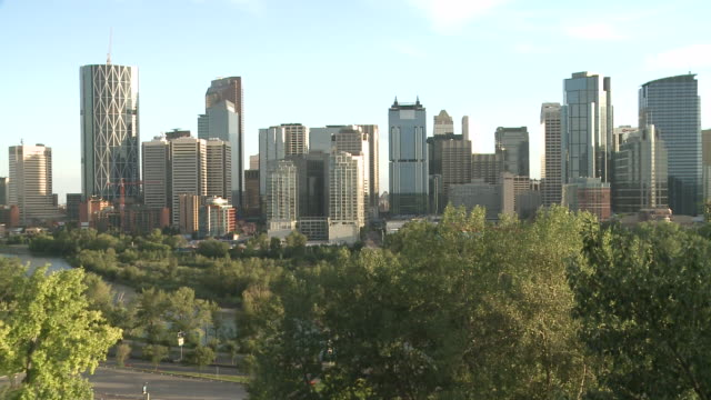 WS View of city  / Calgary, Alberta, Canada