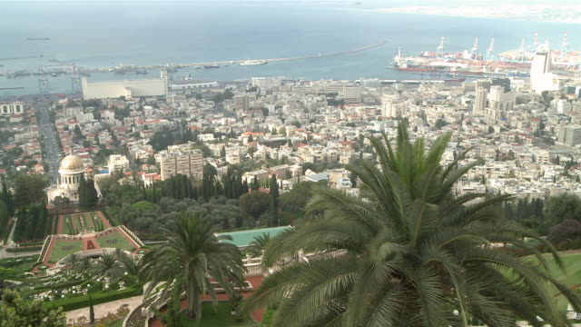 ws view of city / haifa, mechoz cheifa, israel - haifa video stock e b–roll