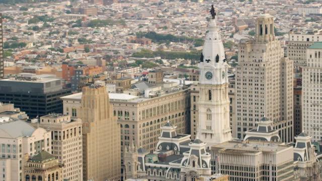 MS ZI AERIAL View of city hall / Philadelphia