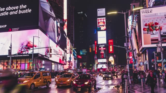 t/l zo view of city lights at times square / manhattan, nyc - electronic billboard stock videos and b-roll footage