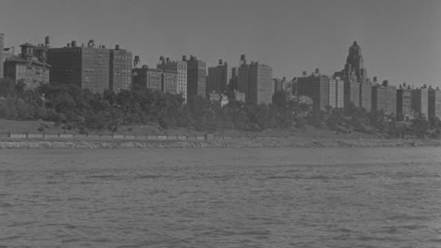 vídeos y material grabado en eventos de stock de ws pov view of city near ocean - embarcación de pasajeros