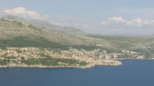 ws aerial view of city on adriatic sea / dubrovnik, dubrovnik neretva county, croatia - adriatic sea stock videos & royalty-free footage