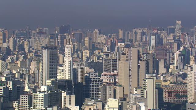 vídeos de stock, filmes e b-roll de ws aerial view of city / sao paulo, brazil - formato de alta definição