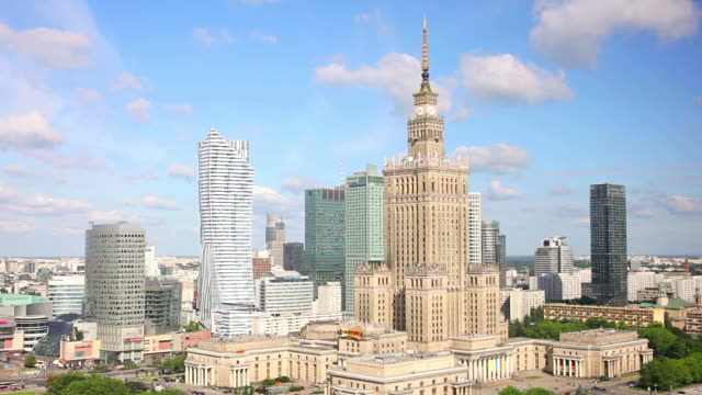 ws t/l view of city skyline with palace of culture and science / warsaw, masovian voivodeship, poland - warsaw stock videos and b-roll footage