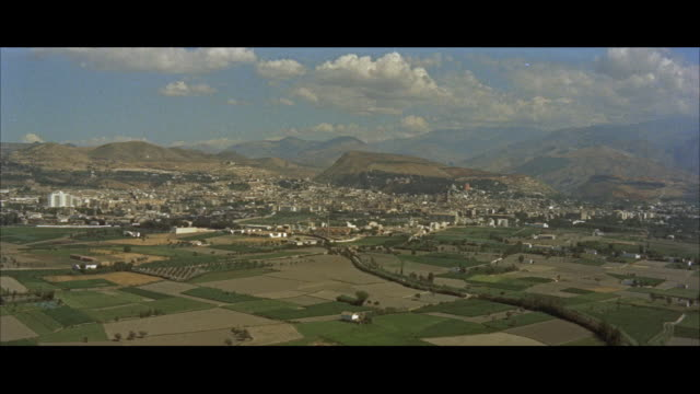 vidéos et rushes de aerial ws pov view of city / spain - patchwork landscape