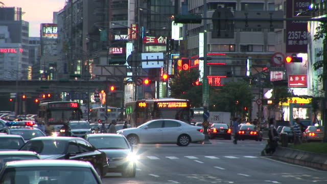 view of city traffic in taipei taiwan - zebramuster stock-videos und b-roll-filmmaterial