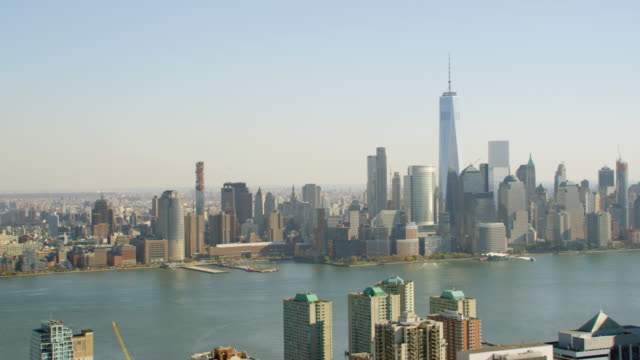 WS ZO AERIAL View of city with one trade center/ New York City